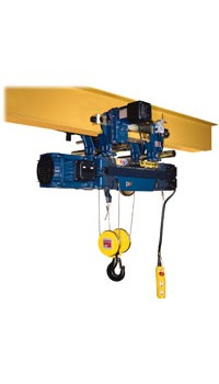 Electric wire rope hoist in configuration with normal headroom